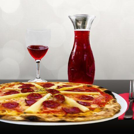 Bonjour aujourd'hui menu du jour lasagnes maison Ce soir moules frites tarte flambée à volonté pizza 8€ au choix Pensez à réserver votre table au 0389565340 Pour info notre capacité d'accueil maximale en salle